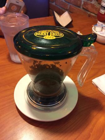 Berry Fresh Cafe: Steeping Loose Tea