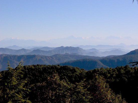 Kmvn Tourist Rest House Mukteshwar: Голубые горы из Муктешвара