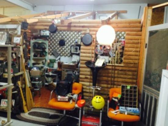 Man Cave Store Dixie Mall : Copper possum antique mall milton all you need to know