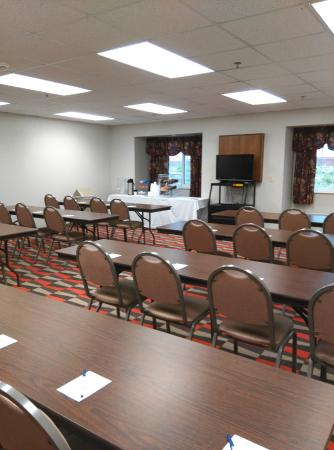 Microtel Inn & Suites by Wyndham Urbandale/Des Moines: Meeting Room A holds 40 capacity