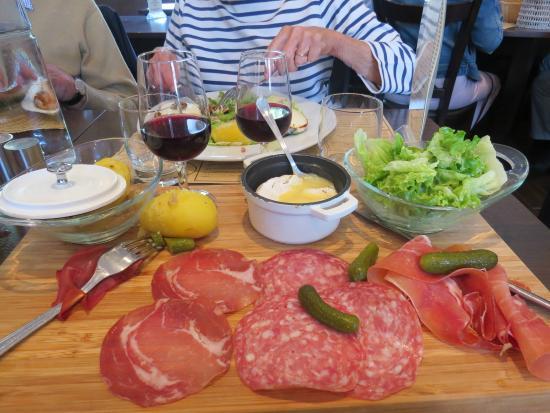 Le Piron: mini-camembert façon raclette
