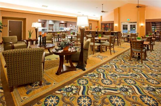 Homewood Suites Minneapolis - New Brighton: The Lodge