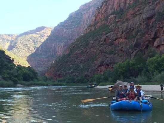 Adrift Adventures Dinosaur National Monument: Lodore Canyon