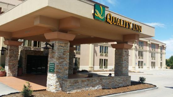 Quality Inn South : Front Main 2