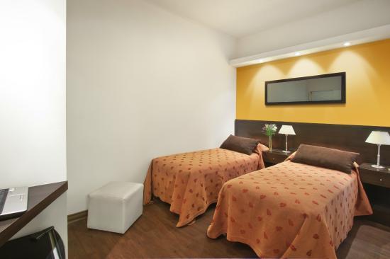 Hotel Milan: Habitación