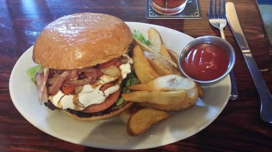 The Iron Rabbit Restaurant and Bar : Sicilian Burger