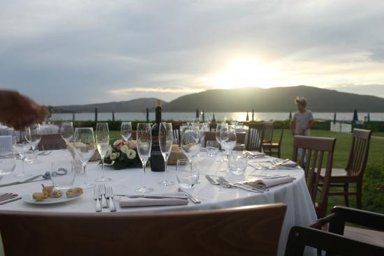 Matrimonio Spiaggia Alghero : Agosto cena sembrava un matrimonio wo picture of hotel