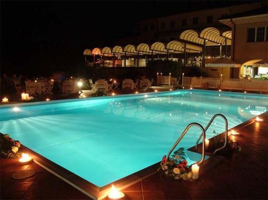 UNA Golf Hotel Cavaglia: Pool