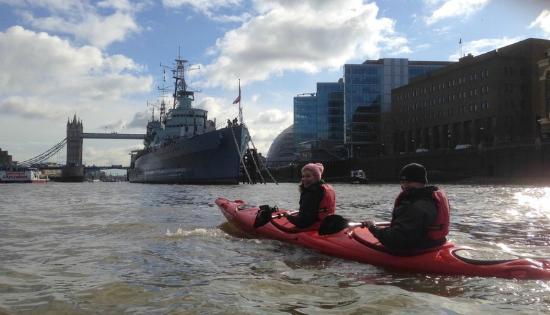 Kayaking London: chilly Feb morning......