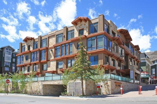The Lowell Condominiums: Other Hotel Services/Amenities