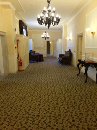 UNA Hotel Venezia: Corridor