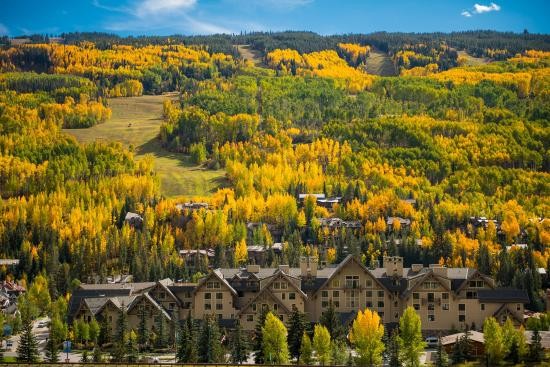 Four Seasons Resort and Residences Vail: VAI_Fall Exterior