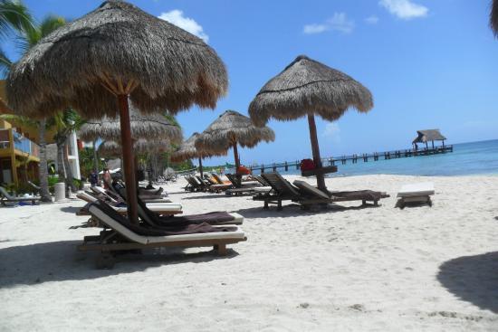 Secrets Aura Cozumel: The beach