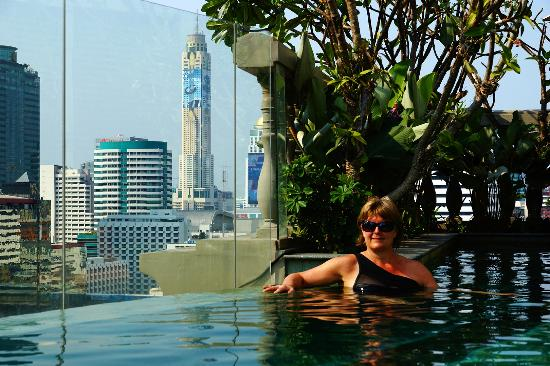 Hotel Muse Bangkok Langsuan Mgallery Collection Infinity Pool With A View Over Downtown