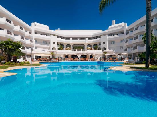 IBEROSTAR Marbella Coral Beach: Pool