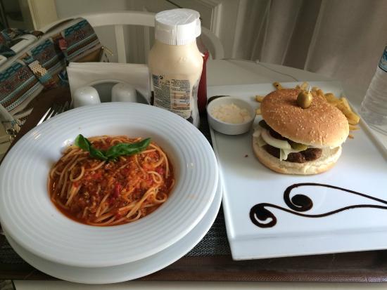 โรงแรมลุช ทักซิม: Room Service