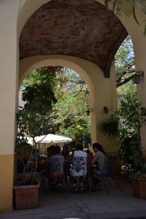 Torrelavega: I tavoli all'esterno