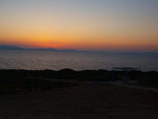 Hotel Pirgos Stelida: ηλιοβασιλεμα απο το πυργο στελιδα