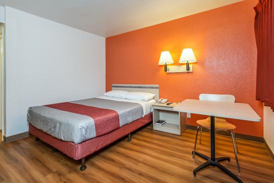 Motel 6 Williams: Guest Room