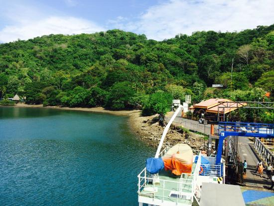 Agua Vista: Take the ferry to get to Montezuma the crew and the boat ride is a perfect way to start!