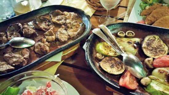 Nacionalni Restoran Mercur: Печено месо