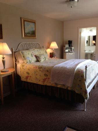 Cleone Gardens Inn: Meadow View $135/night