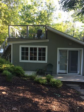 Entrance - The Woodstock Inn on the Millstream Photo