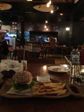 Wacko Burger Cafe: Classic wacko burger