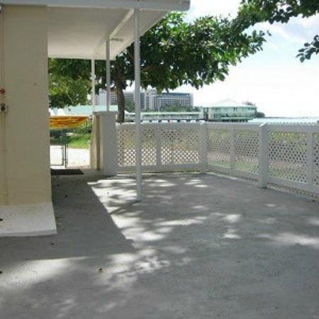 Bajan Beach Cottages: Beach Cottage Porch