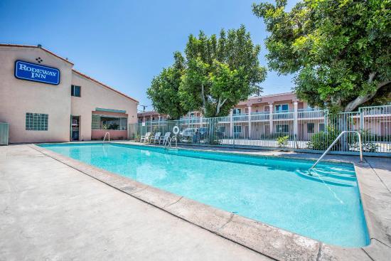 South Gate, CA: Pool