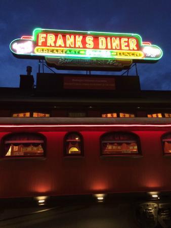 Frank's Diner: Front of the diner