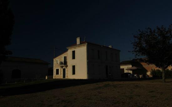 Maison de jean photo de la maison de jean saint androny for De la maison avis
