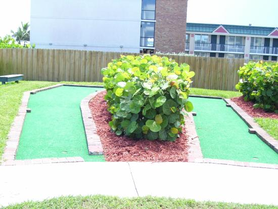 The Reef Ocean Resort: Putt putt