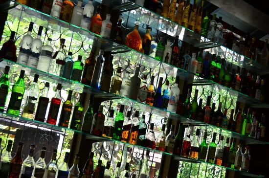 Burasari Resort: The bar!
