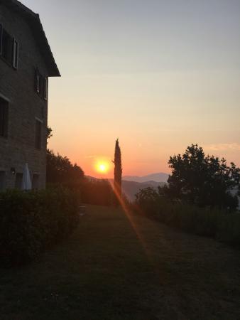 Bellaugello: sunrise over Bellaguello Guest House