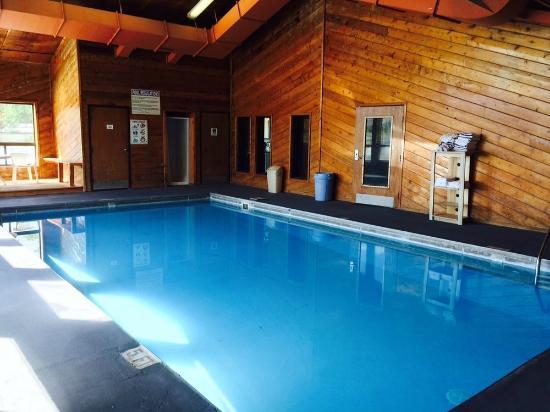Super 8 Chadron NE: Pool