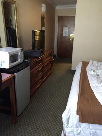 Seaport Inn and Marina: Old room