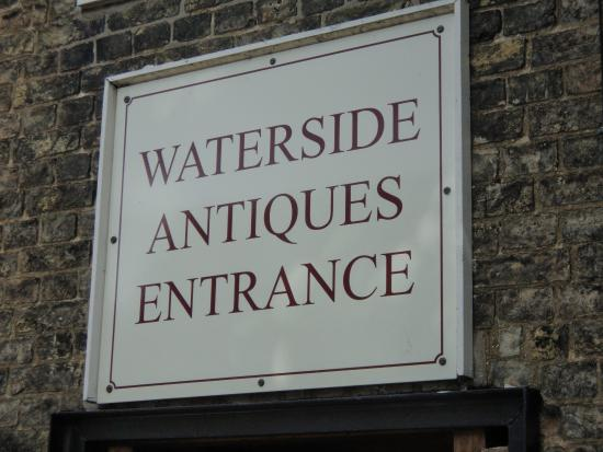 ‪Waterside Antiques‬