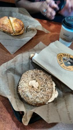‪Einstein Bros Bagels‬