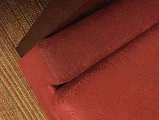 Residence Inn Anchorage Midtown : Furniture