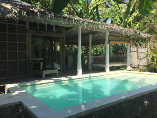 La villa priv e avec piscine picture of les villas for Club piscine west island