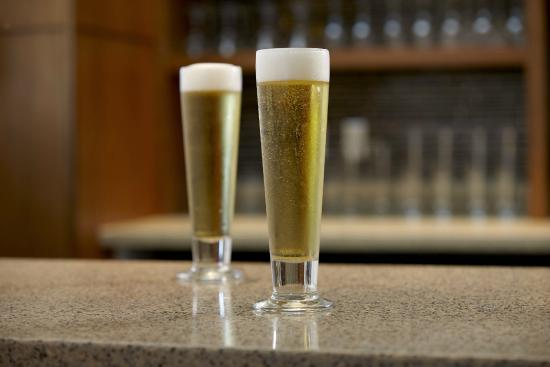 Hyatt Place Denver-South/Park Meadows: Local Craft Beer Selections