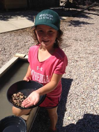Frontier Homestead State Park Museum : Panning for gold - Frontier Museum