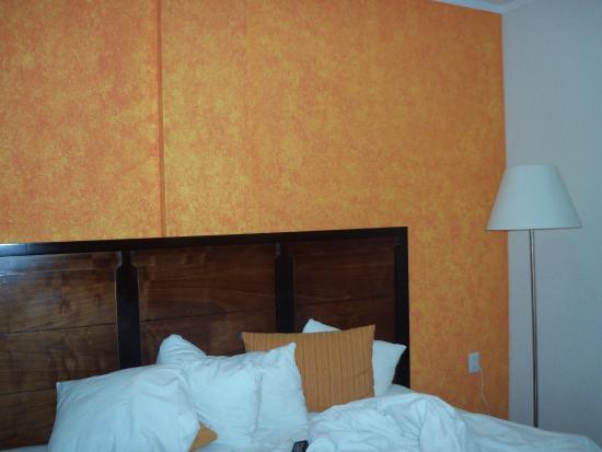 Comfort Inn Cancun Aeropuerto : Quarto, cama ampla e confortavel