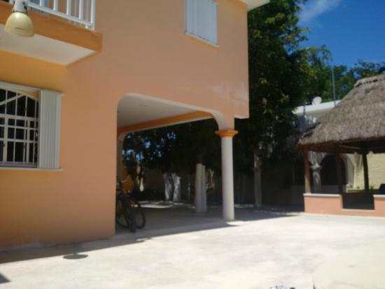 Hacienda del Sol : The gated in court yard