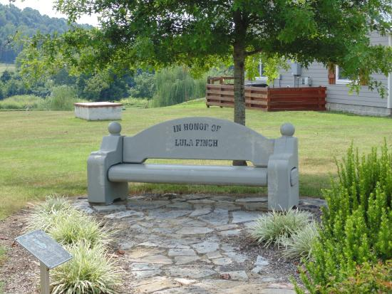Kingston Springs, TN: Bench