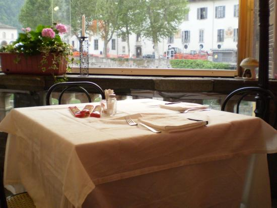 La terrazza - Picture of Ristorante Pizzeria La Sfinge, Varallo ...