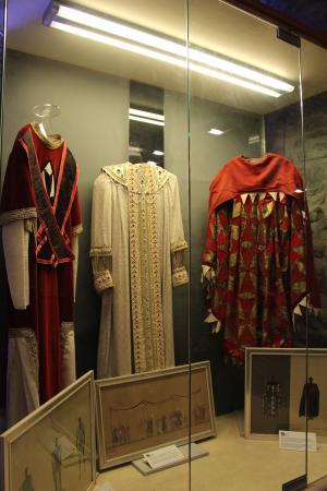 Arsenale della Repubblica: Abiti Tradizionali esposti nel Museo