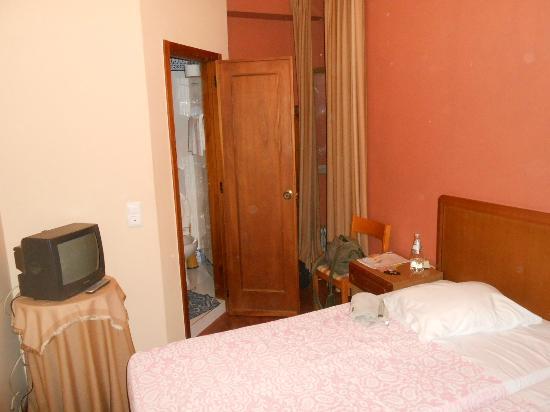 Residencial Dom Jose: camera con bagno