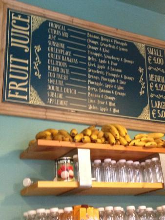 La Fruteria juice bar: Jugos de fruta